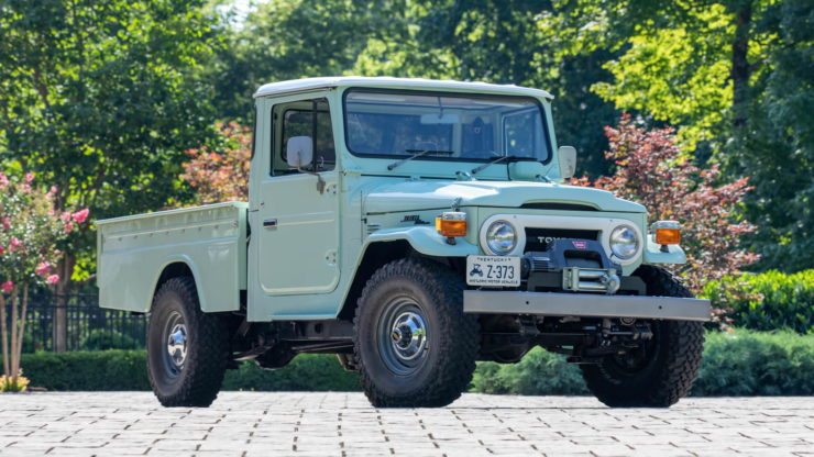 Toyota FJ45 Land Cruiser Pickup Main