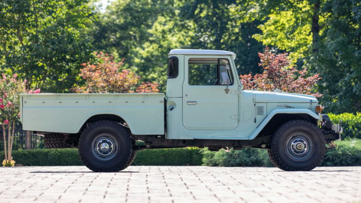 Toyota FJ45 Land Cruiser Pickup Side 2