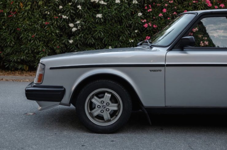 Volvo 242 Group A Homologation Flathood 13
