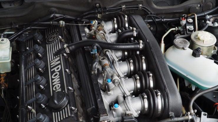 BMW E28 M5 Engine