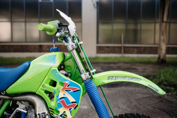 Kawasaki KX250 16