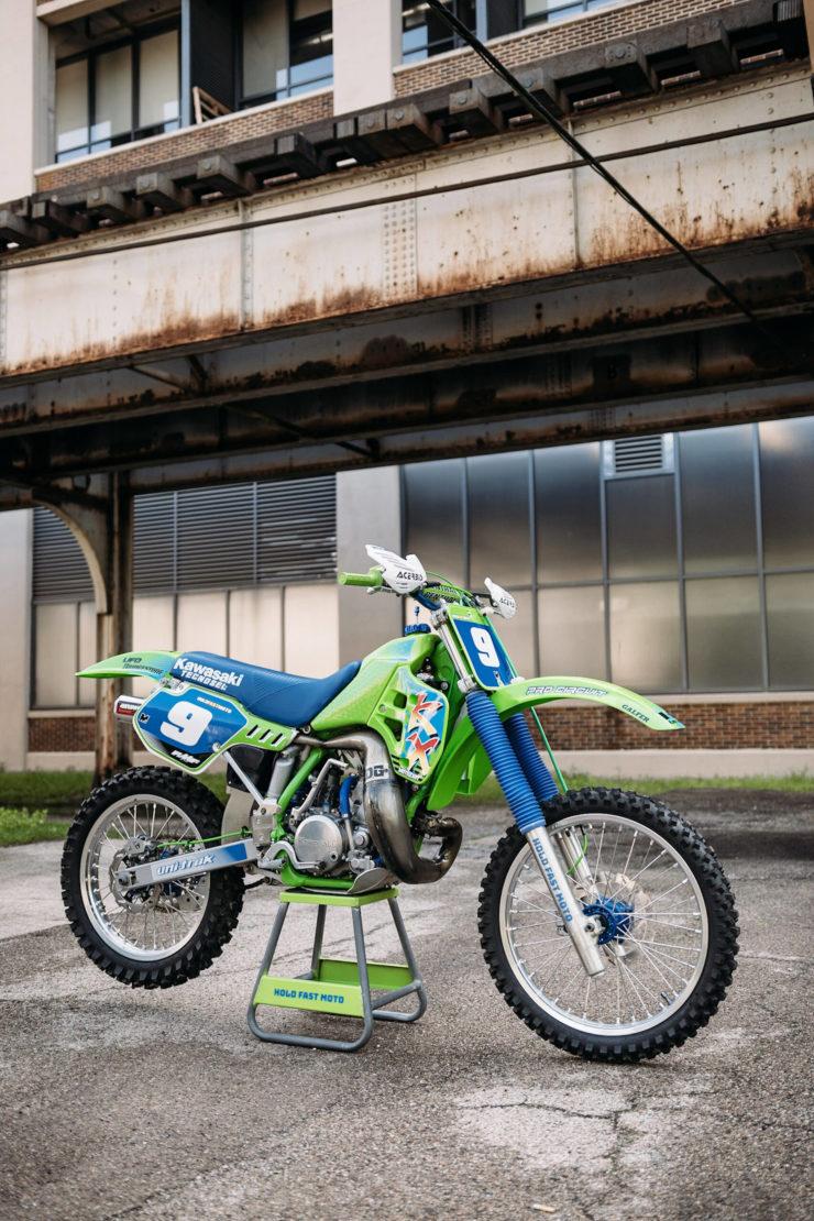 Kawasaki KX250 17