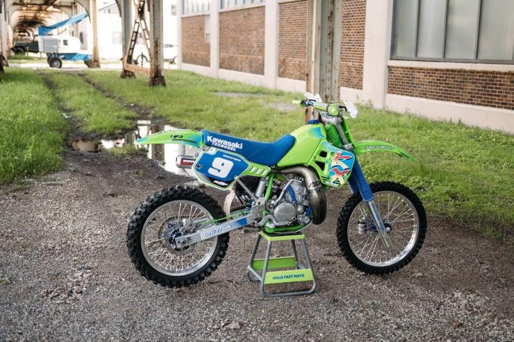 Kawasaki KX250 19