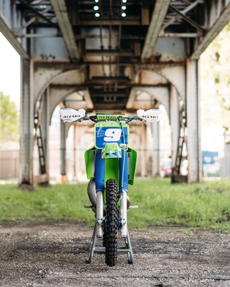 Kawasaki KX250 22