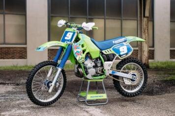 Kawasaki KX250 6