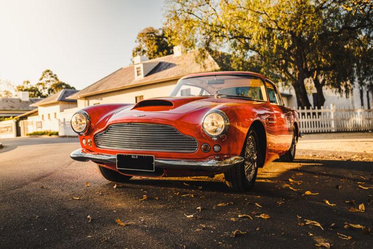 Aston Martin DB4 11