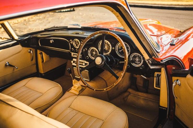 Aston Martin DB4 7