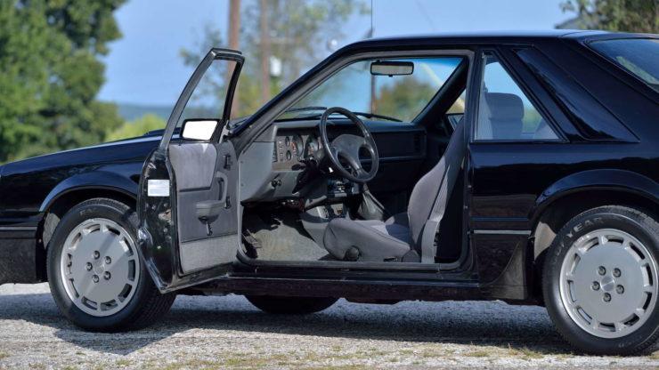 Ford Mustang SVO 6