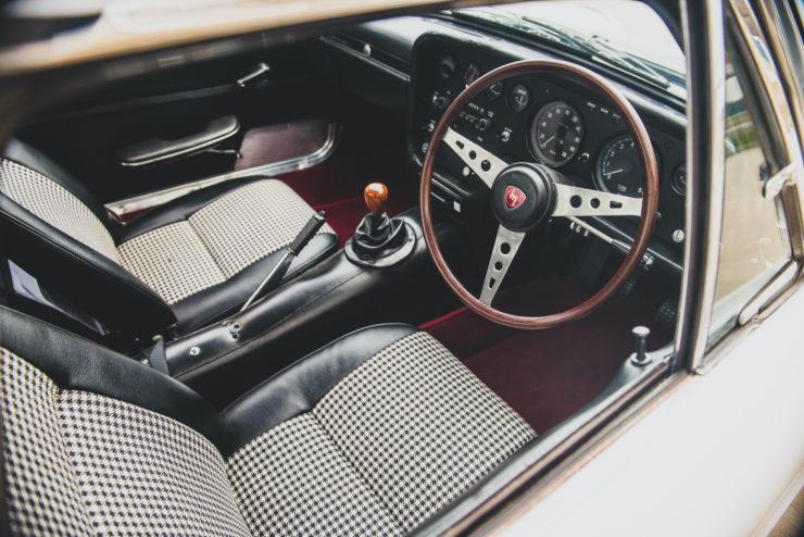 Mazda Cosmo Sport Series I 16