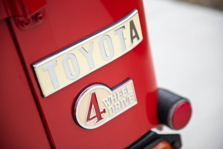 Toyota FJ40 Land Cruiser Badges