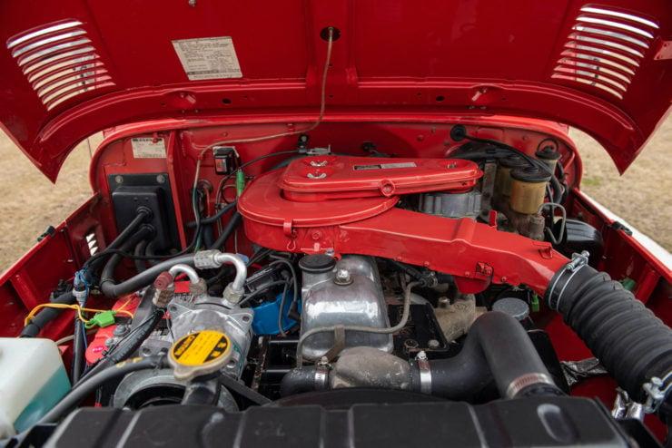 Toyota FJ40 Land Cruiser Engine 3