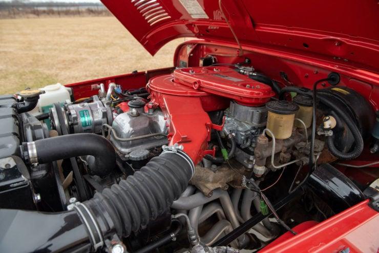 Toyota FJ40 Land Cruiser Engine