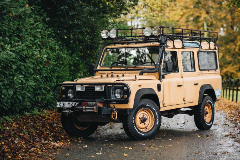 Camel Trophy Support Vehicle: 1992 Land Rover Defender 110