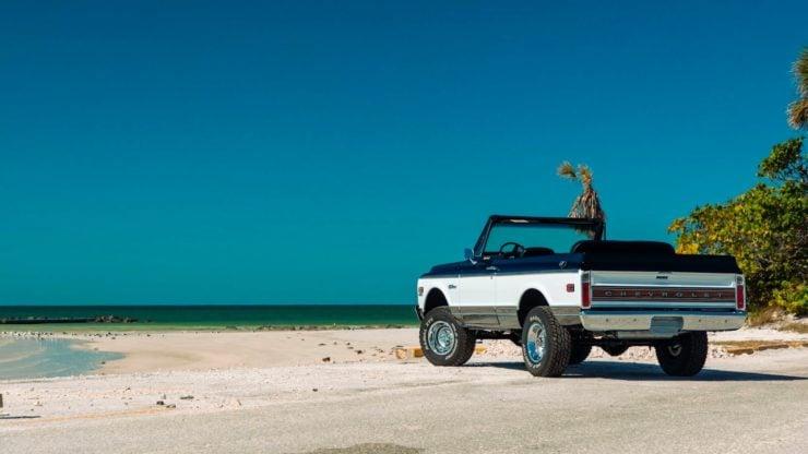 Chevrolet K5 Blazer Restomod Beach