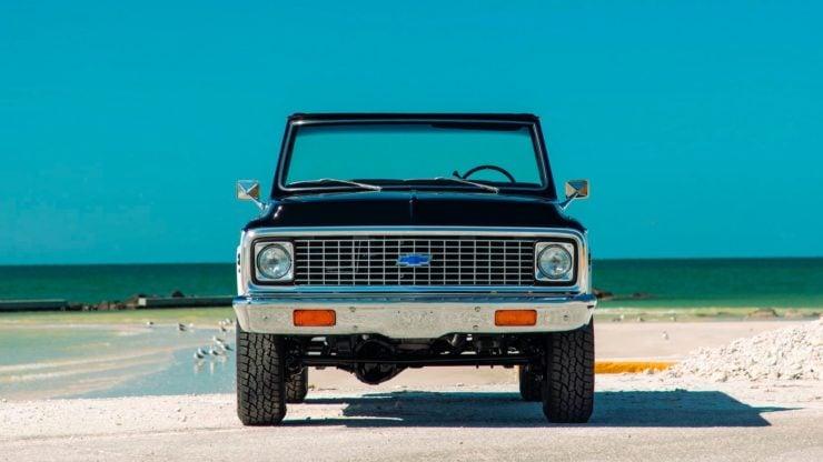Chevrolet K5 Blazer Restomod Front 2