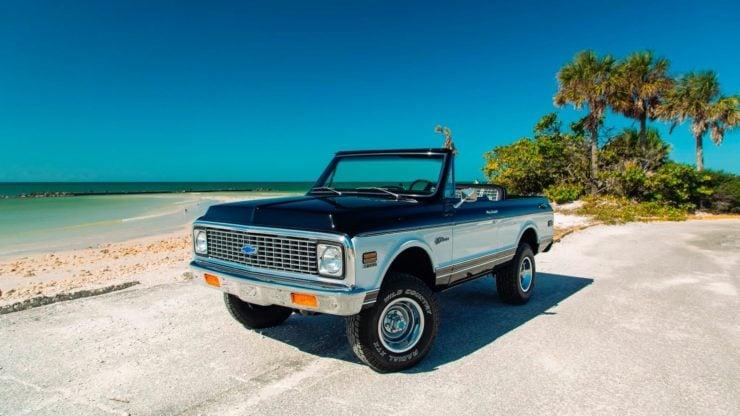 Chevrolet K5 Blazer Restomod Front
