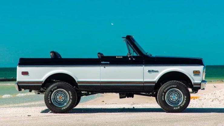 Chevrolet K5 Blazer Restomod Side 2