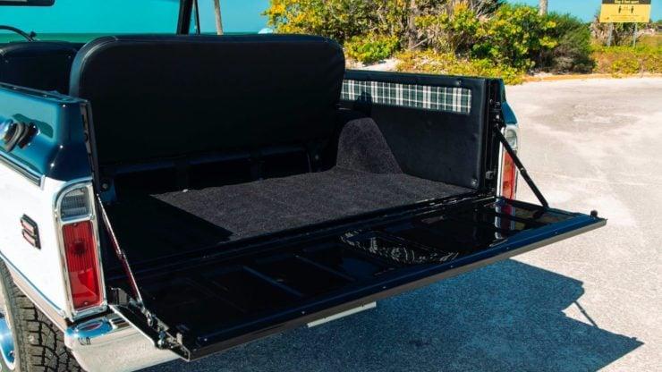 Chevrolet K5 Blazer Restomod Tail Gate