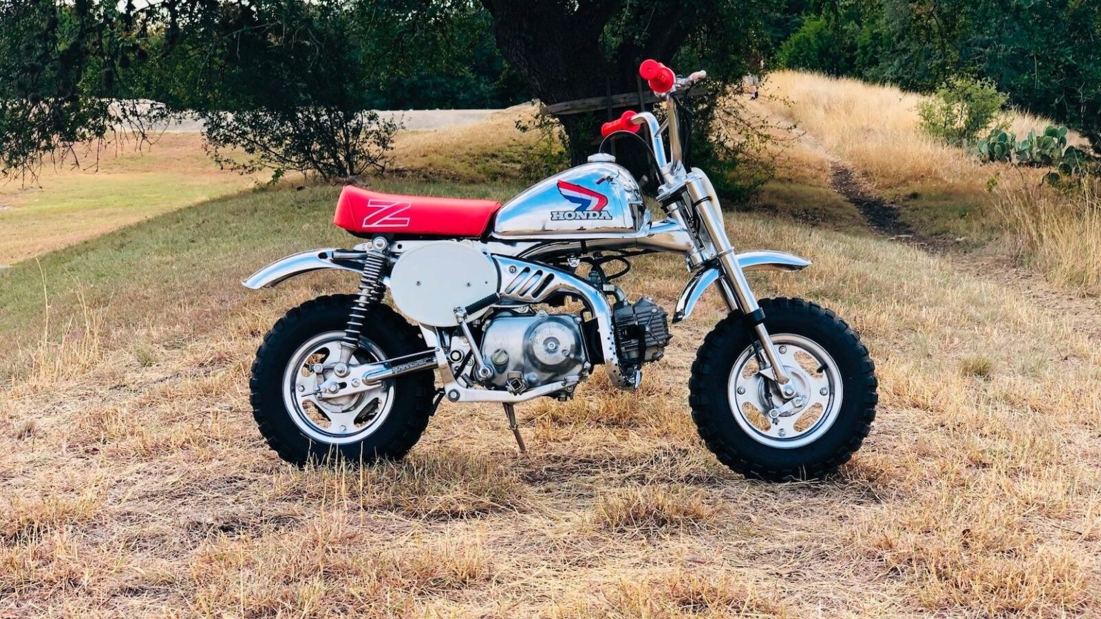 One Of The Rarest Original Monkey Bikes The Honda Z50r Christmas Special