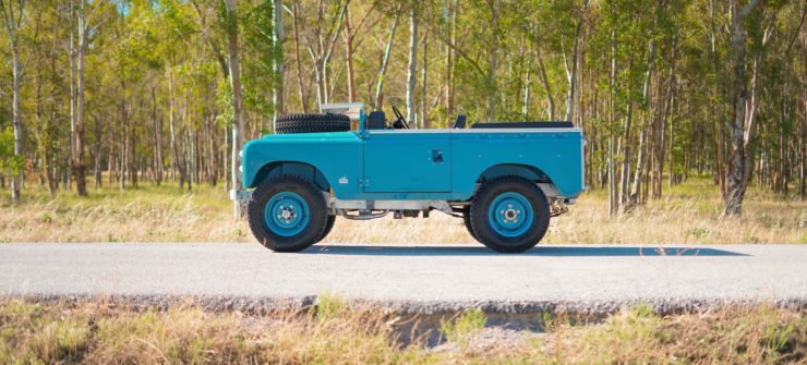 Land Rover Series Side