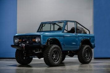 Ford Bronco Custom