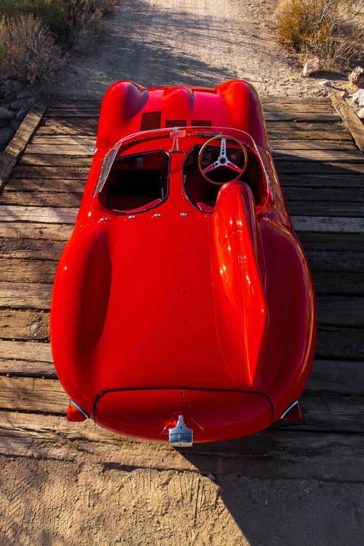 Jaguar D-Type Fin 2