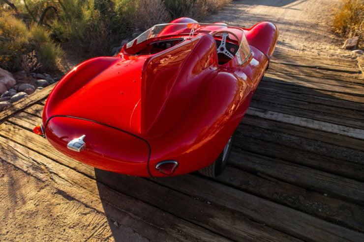 Jaguar D-Type Fin