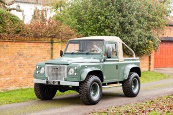 Land Rover Defender Custom 1