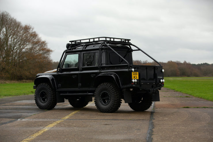 Land Rover Defender SVX Spectre 1