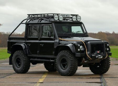 Land Rover Defender SVX Spectre