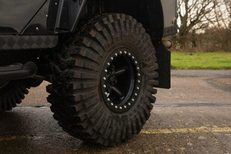 Land Rover Defender SVX Spectre Wheels