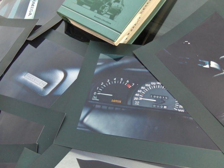 Opel Lotus Omega Type 104 Books 2