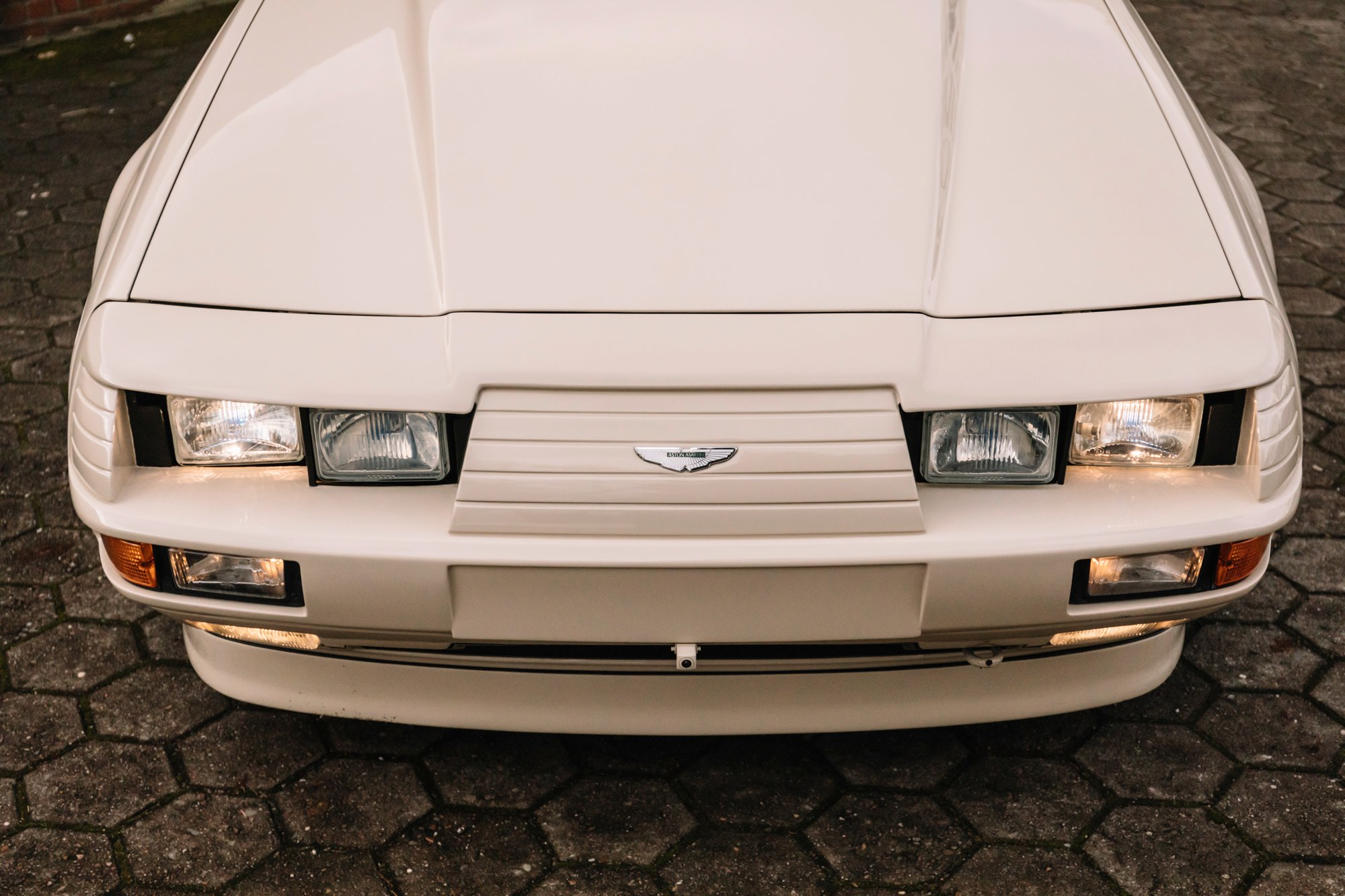 Aston Martin V8 Volante Zagato Headlights