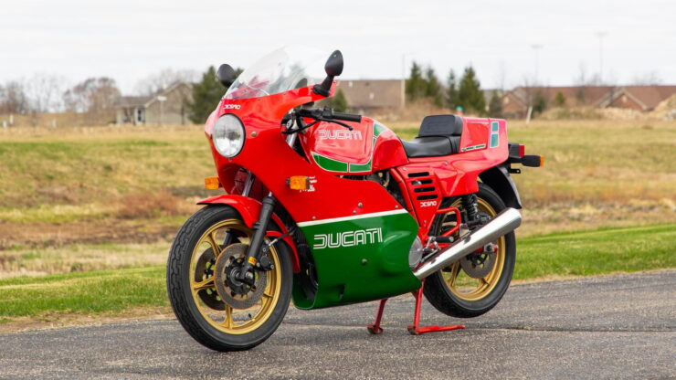 Ducati-Mike-Hailwood-Replica-MHR-Mille-Front