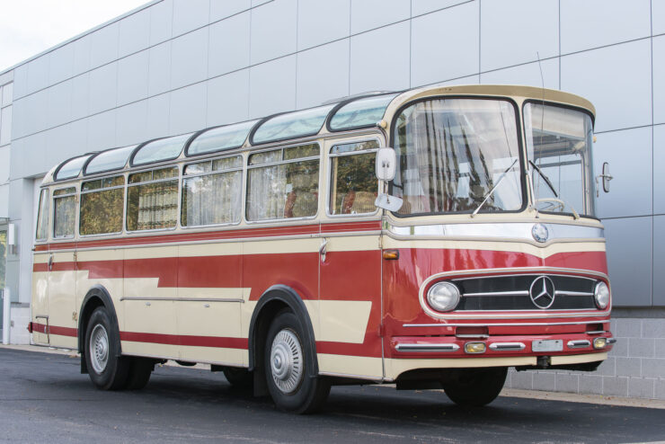 Mercedes-Benz O321H Bus Camper RV 3