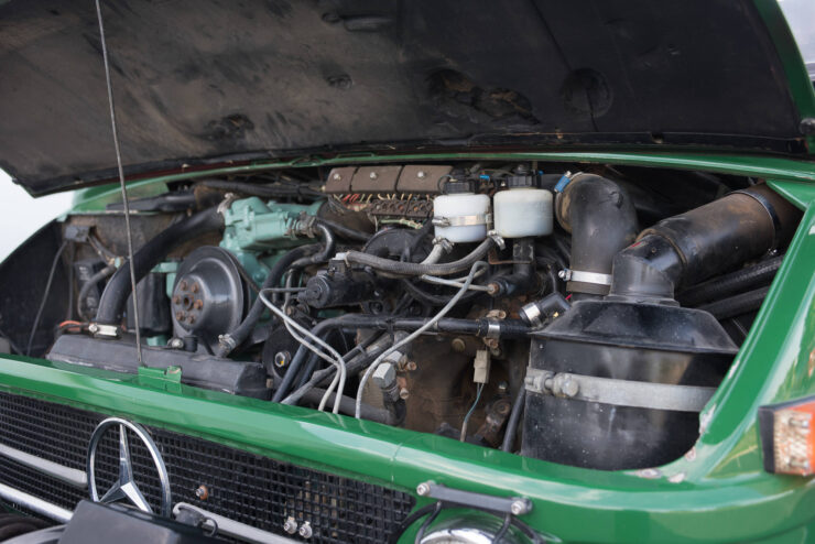 Mercedes-Benz Unimog 416 6