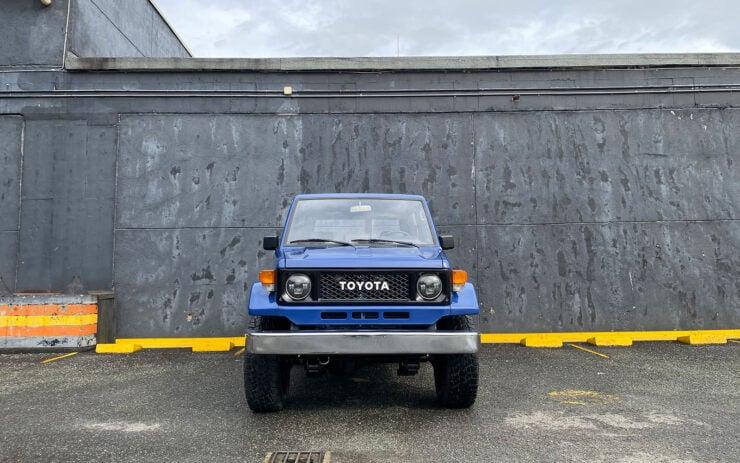 Toyota Land Cruiser FJ70 1