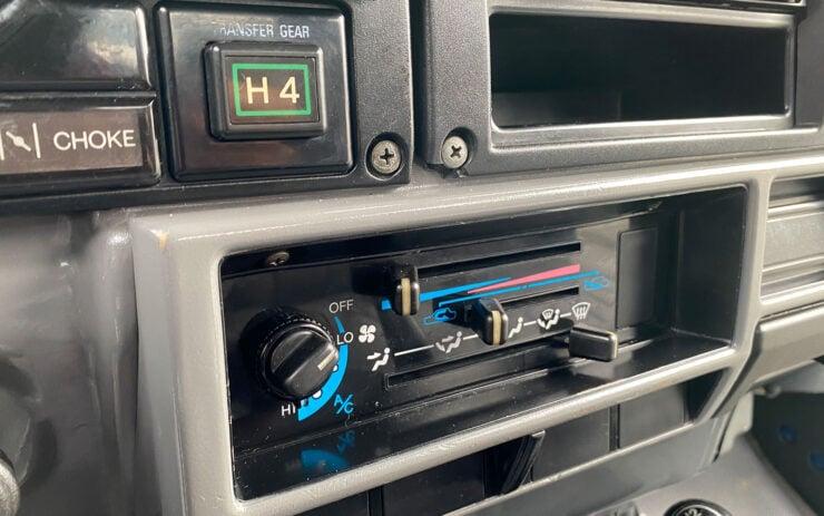 Toyota Land Cruiser FJ70 Air Conditioning