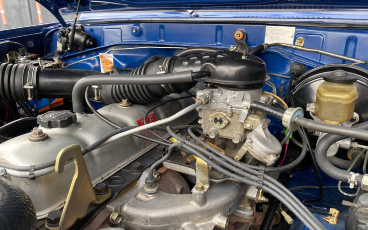 Toyota Land Cruiser FJ70 Engine