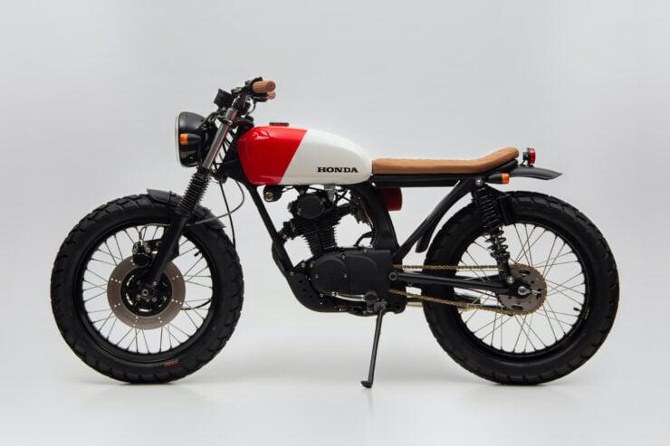 Honda CB125 Motorcycle 11