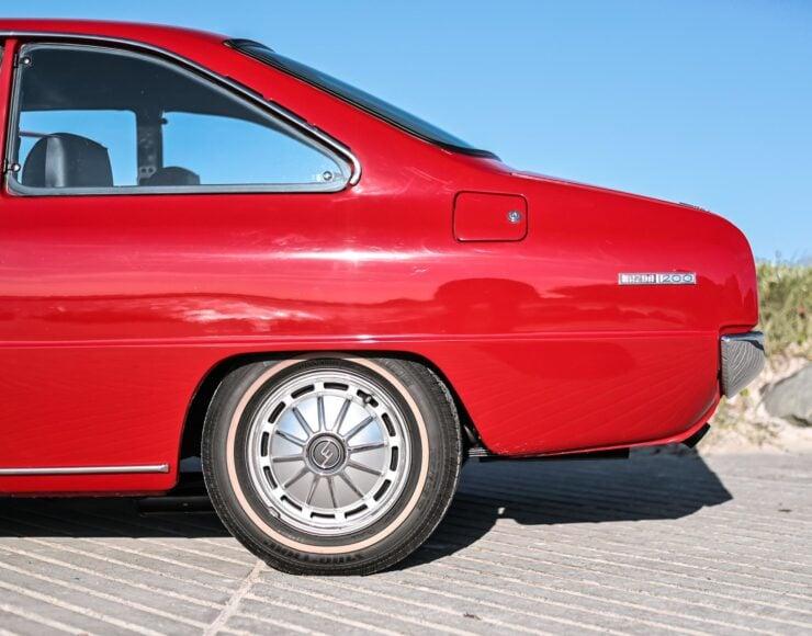 Mazda 1200 Coupe 12