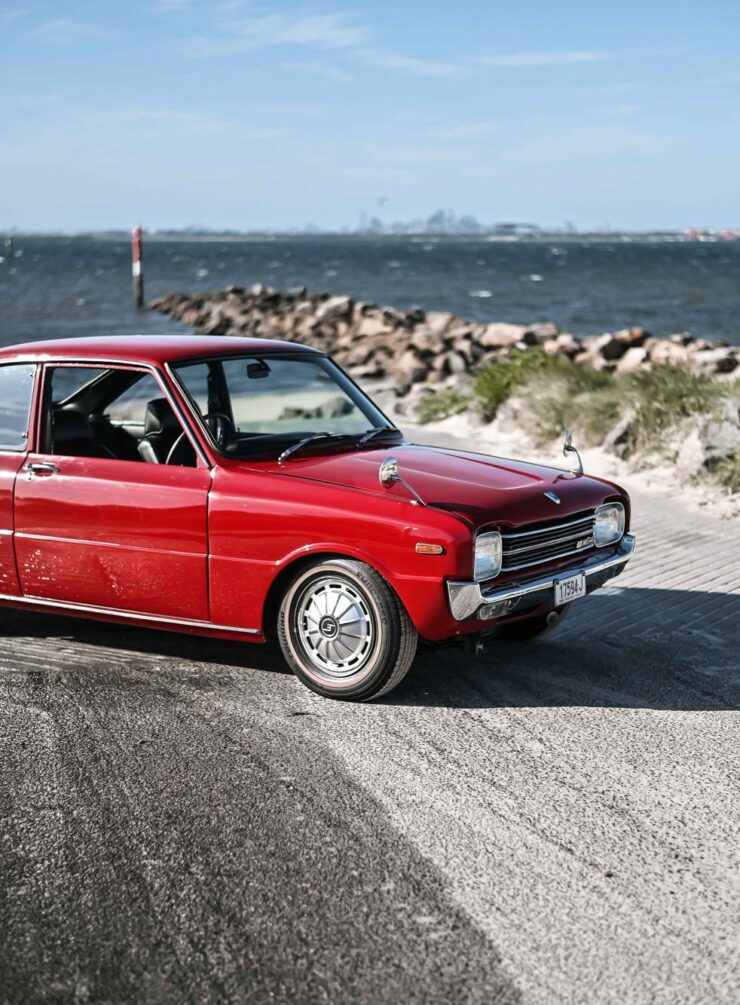Mazda 1200 Coupe 3