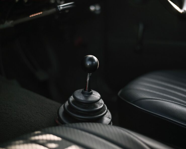 Mazda 1200 Coupe 9