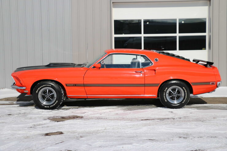1969 Ford Mustang Mach 1 2