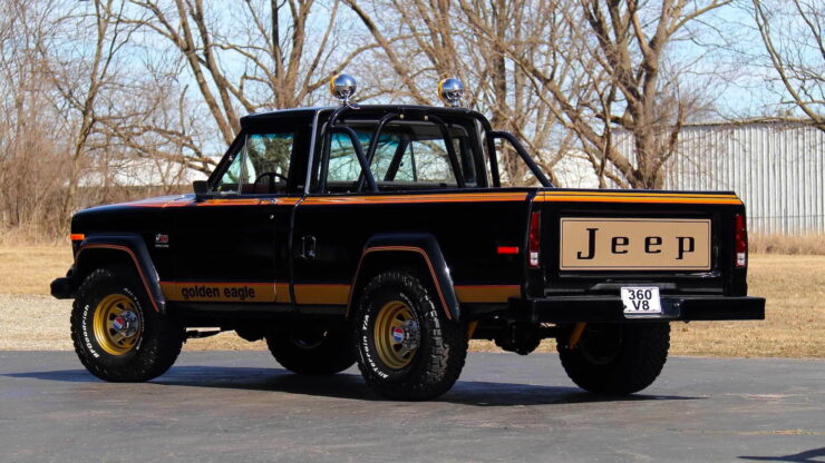 Jeep J10 Golden Eagle Pickup 12