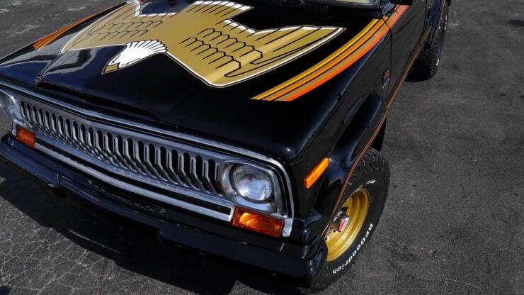 Jeep J10 Golden Eagle Pickup 17