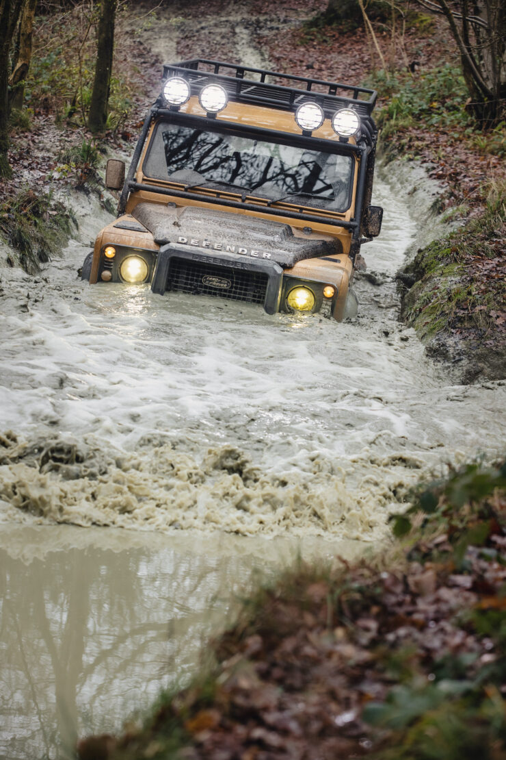 Land Rover Defender Works V8 Trophy 15