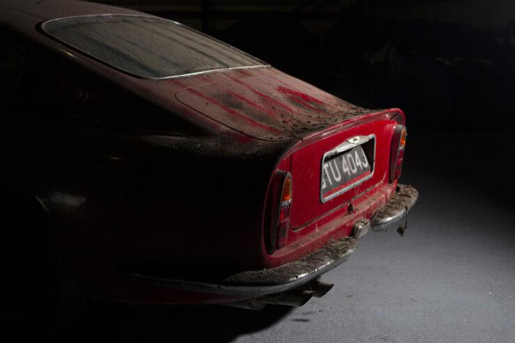 Aston Martin DB6 Vantage 14