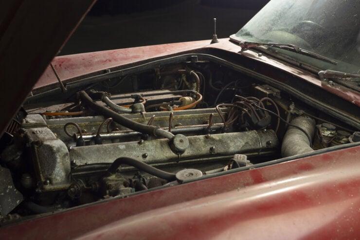 Aston Martin DB6 Vantage 15
