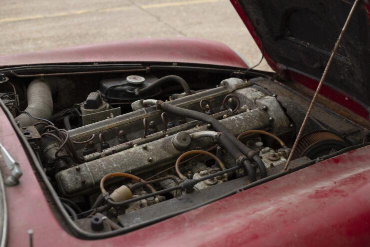 Aston Martin DB6 Vantage 2